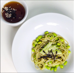 My own version of Cha Soba, with edamame and cucumber :D